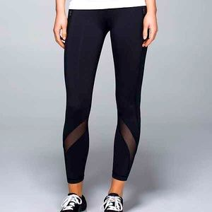 Lululemon 25' leggings with mesh
